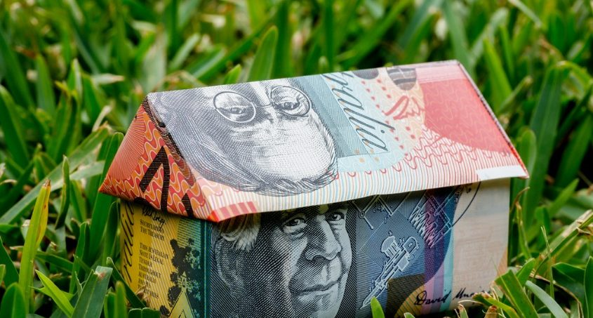 Australian dollar could fall to 60c in 2019 - good news for ... | 453x845